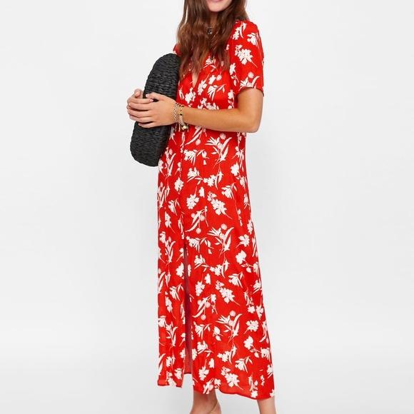 a28e0590 Zara Red Floral Dress Long M NWT. M_5b72fa61baebf6229ba372a1